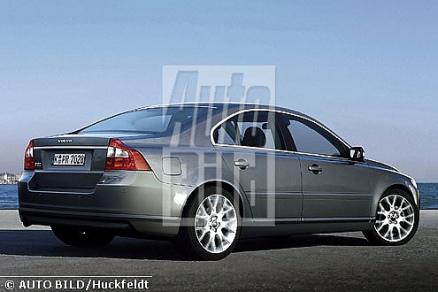 Autobild impression of the upcoming S60, seen from the back.